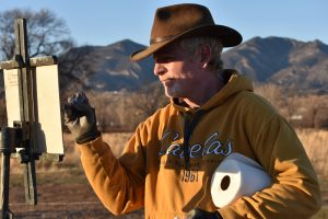 Dan Young artist outdoorsman painting on location